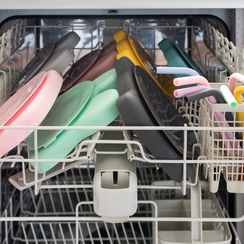 Stickie_Plates_in_Dishwasher_low_res_b5ddc66d-1f54-470c-a725-eb56dc39ee86_1200x